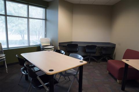 Hampton-Illinois - Study Room 1